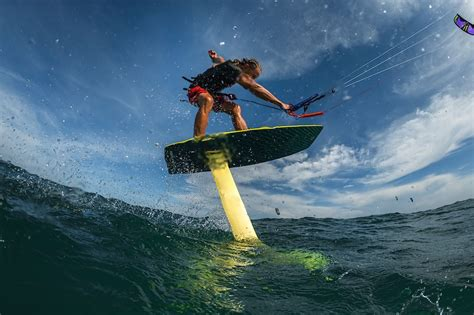 What is foil surfing? Best places to go foil surfing