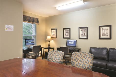 The Courtyards Ann Arbor Student Housing • Reviews