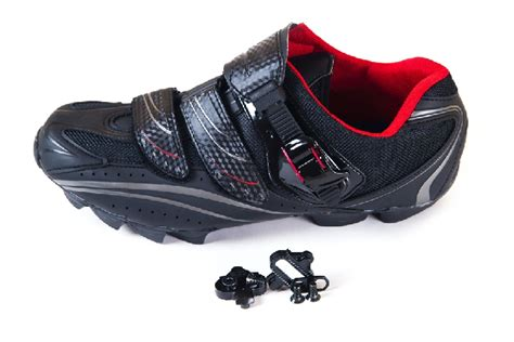 Best SPD Shoes For Wide Feet - FitnessAbout