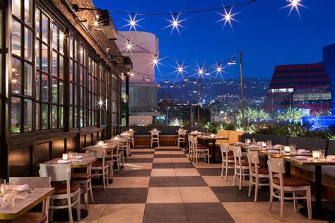 CATCH Seafood Restaurant in Los Angeles - Dining
