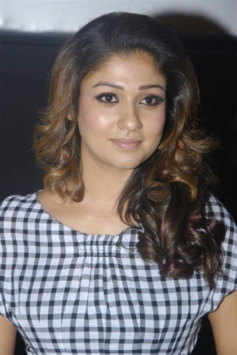 Nayanthara Special – Stunning beauty exclusive photo