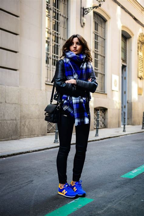 How To Style: Winter Oversized Scarves For Women 2021